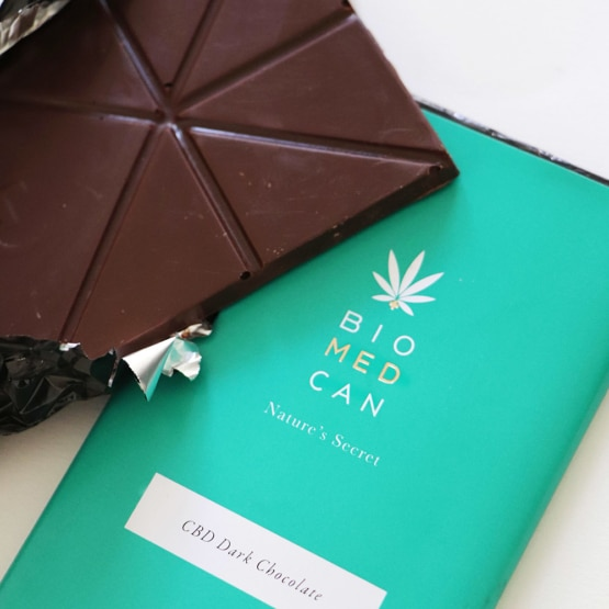 Open bar of BIOMEDCAN CBD Dark Chocolate